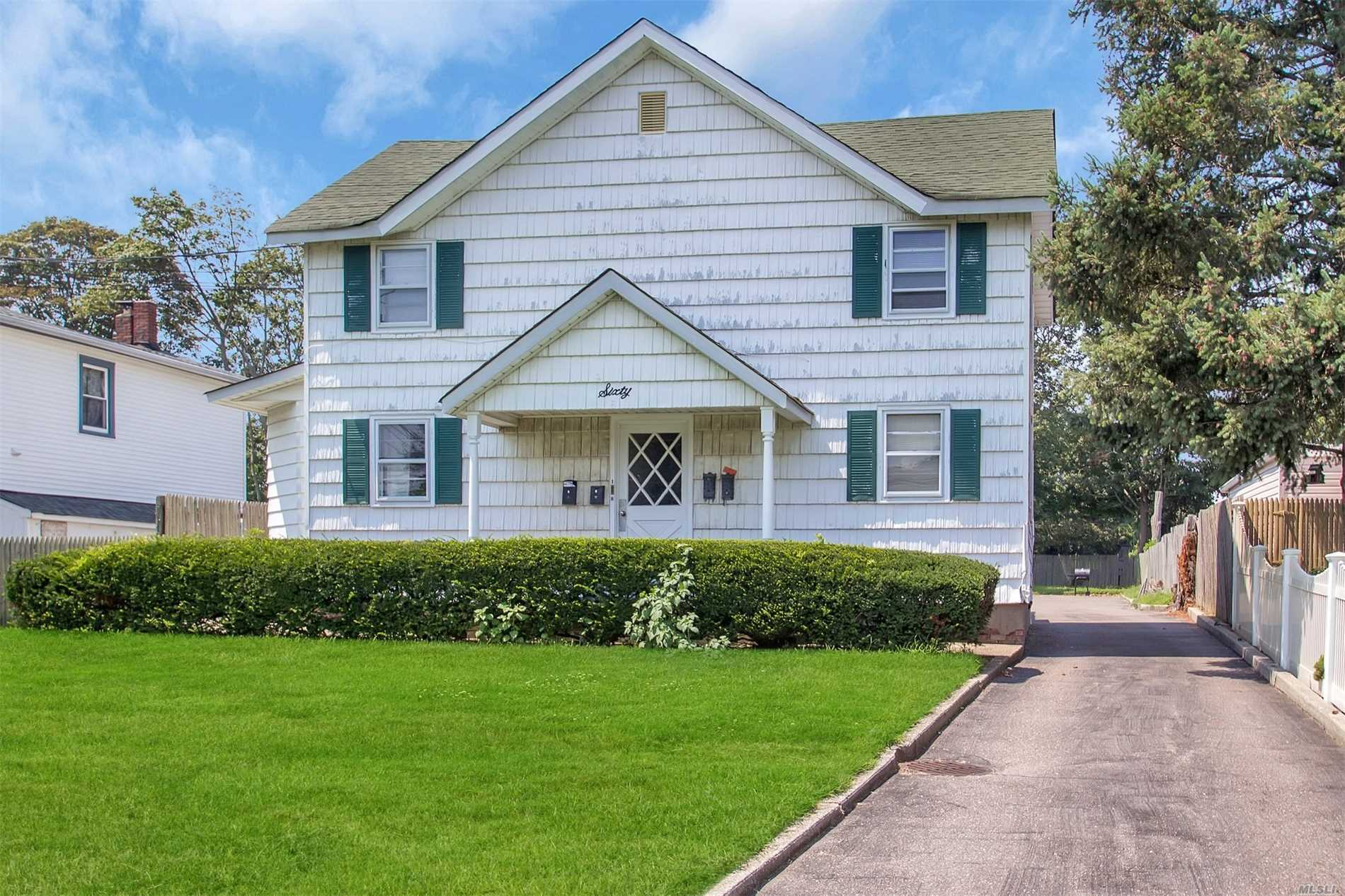 60 Bay Ave - Patchogue, New York