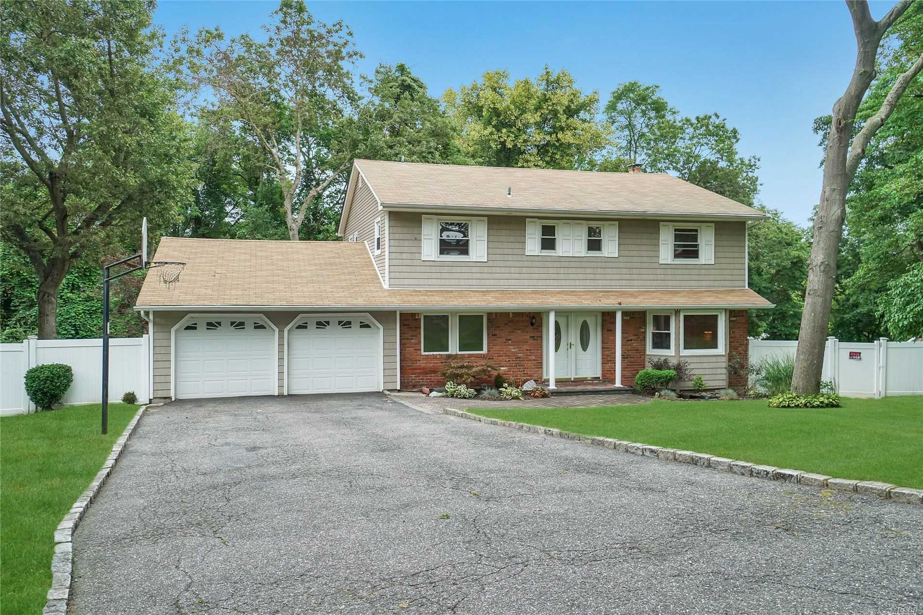 7 Ardra Ct - Smithtown, New York
