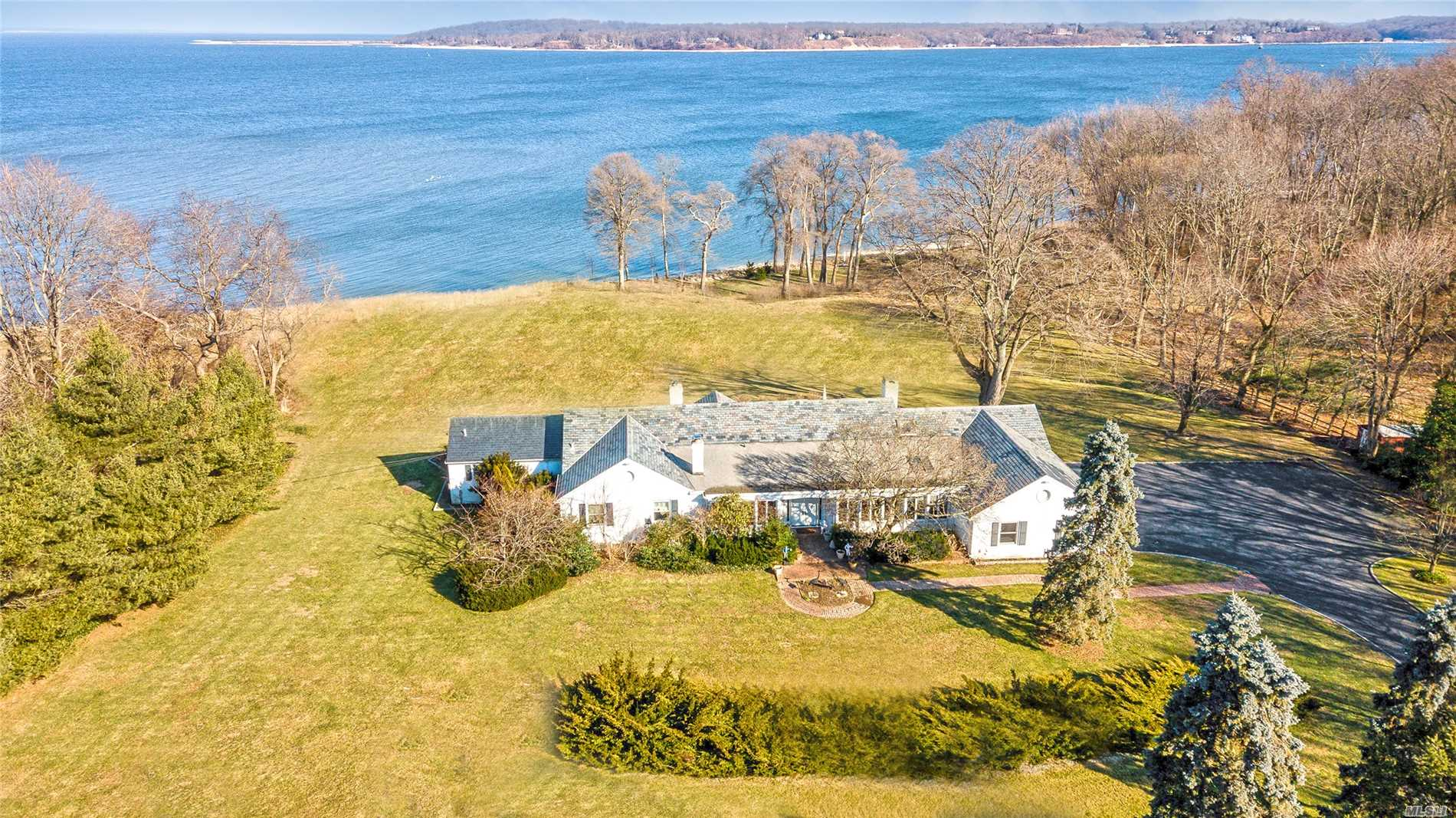 109 Centre Island Rd - Oyster Bay, New York