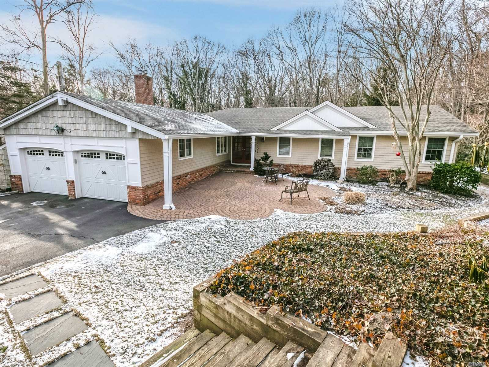 8 Chatham Pl - Dix Hills, New York