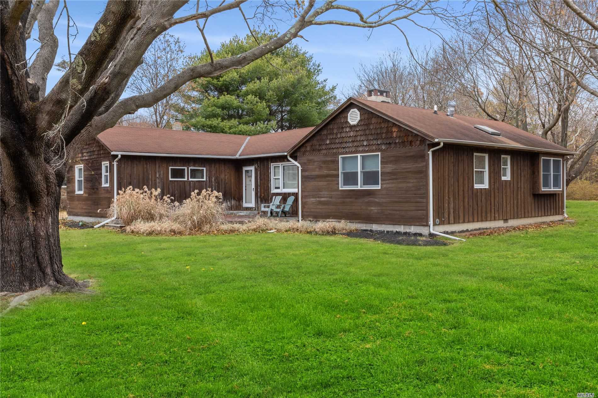 2405 Marratooka Rd - Mattituck, New York