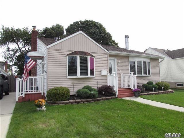 Just Listed! Gorgeous Lindenhurst Home with Many Updates. A Must See!