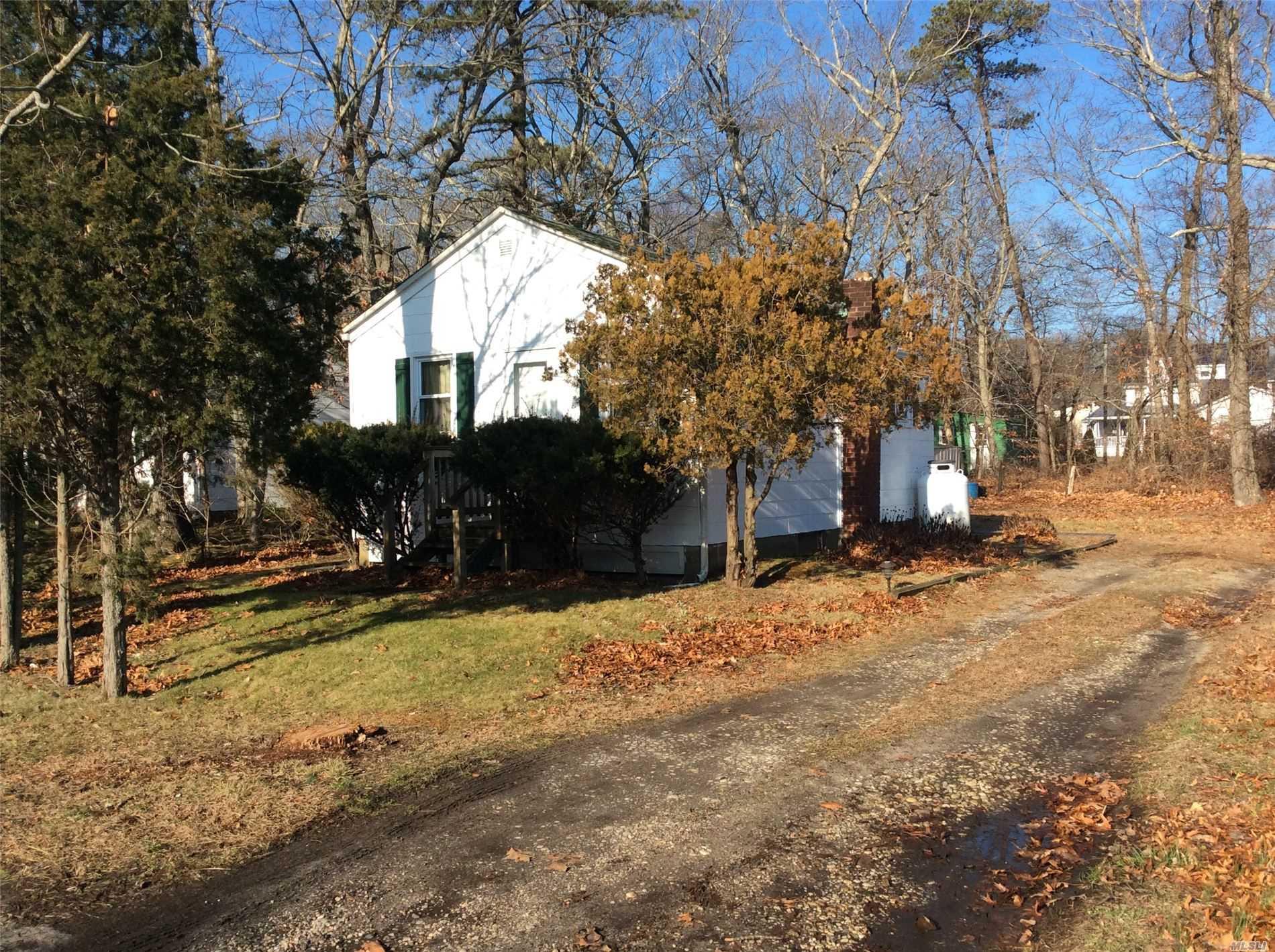 2775 County Route 48 - Mattituck, New York