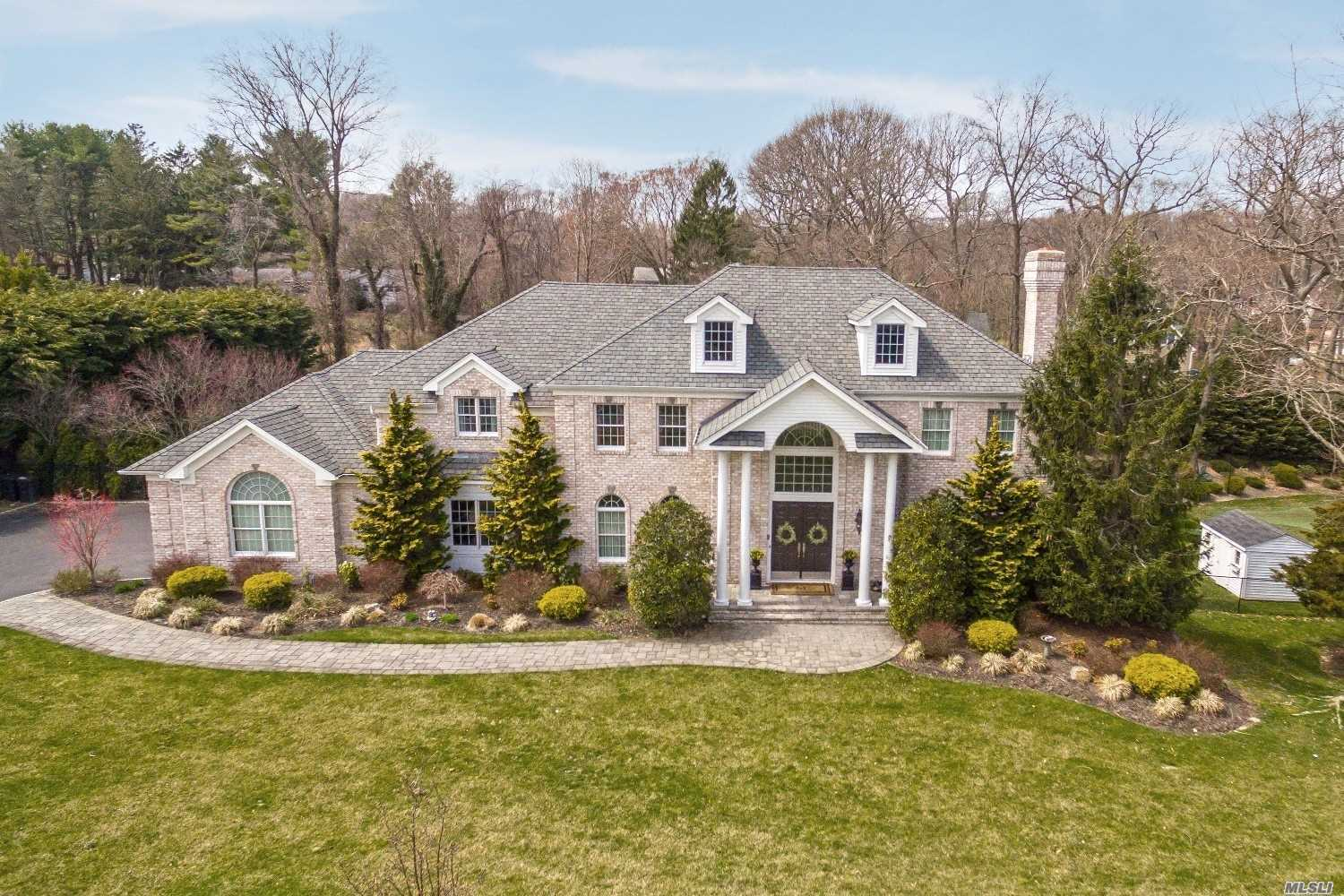 9 Rolling Meadow Ln - Northport, New York