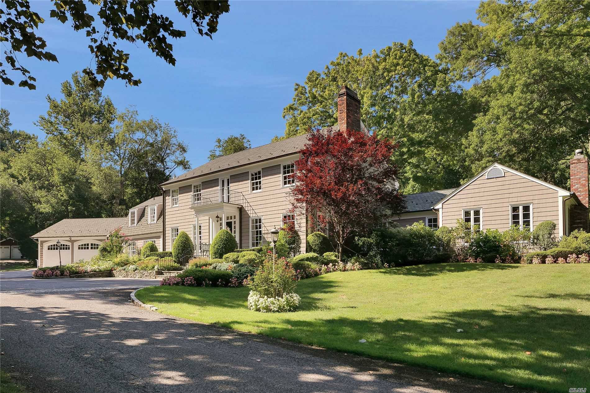 177 Cove Rd - Oyster Bay Cove, New York