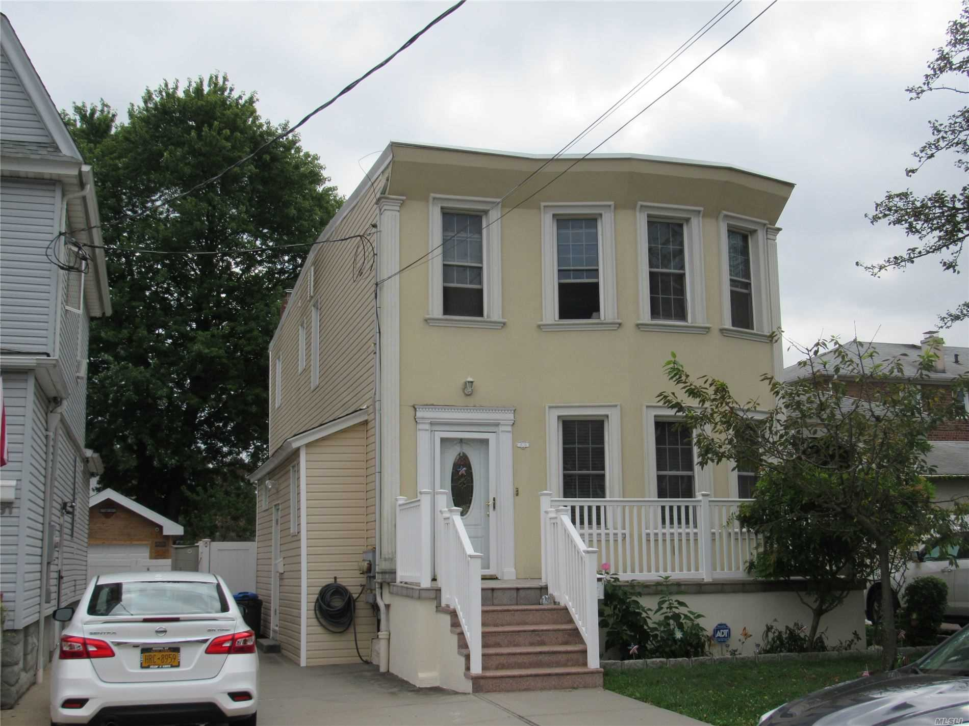 17-35 Murray St, 2nd - Whitestone, New York