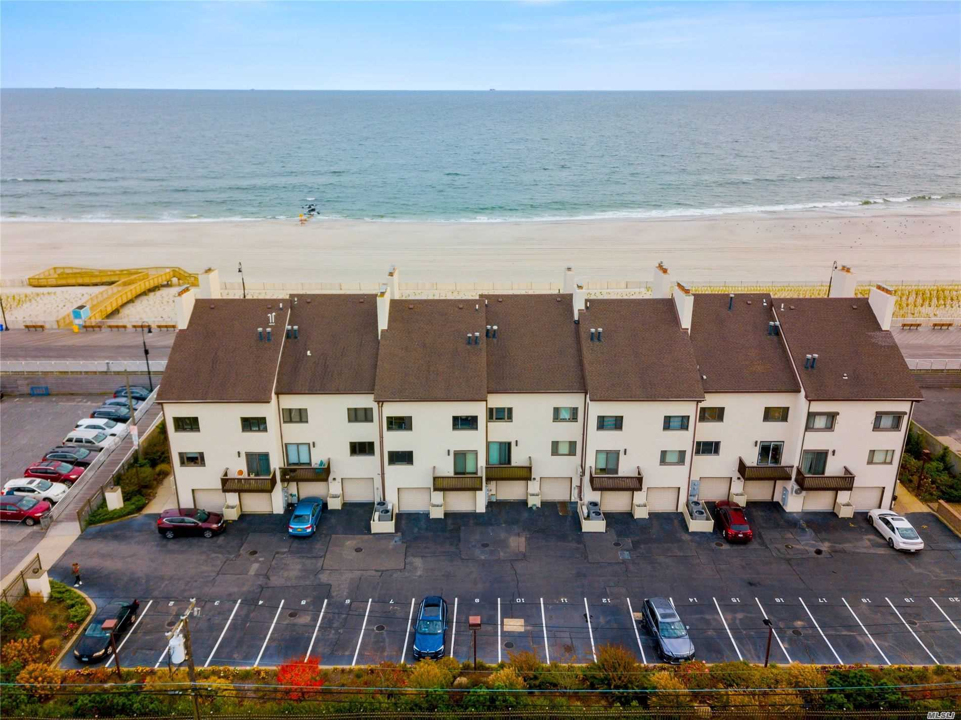 625 Oceanfront St, A-B - Long Beach, New York