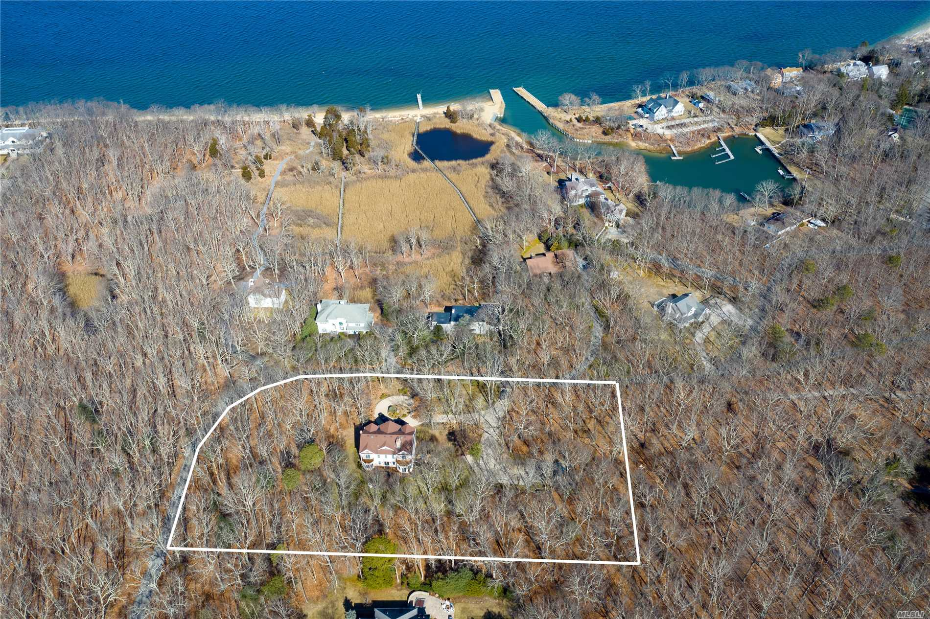 3370 Paradise Point Rd - Southold, New York