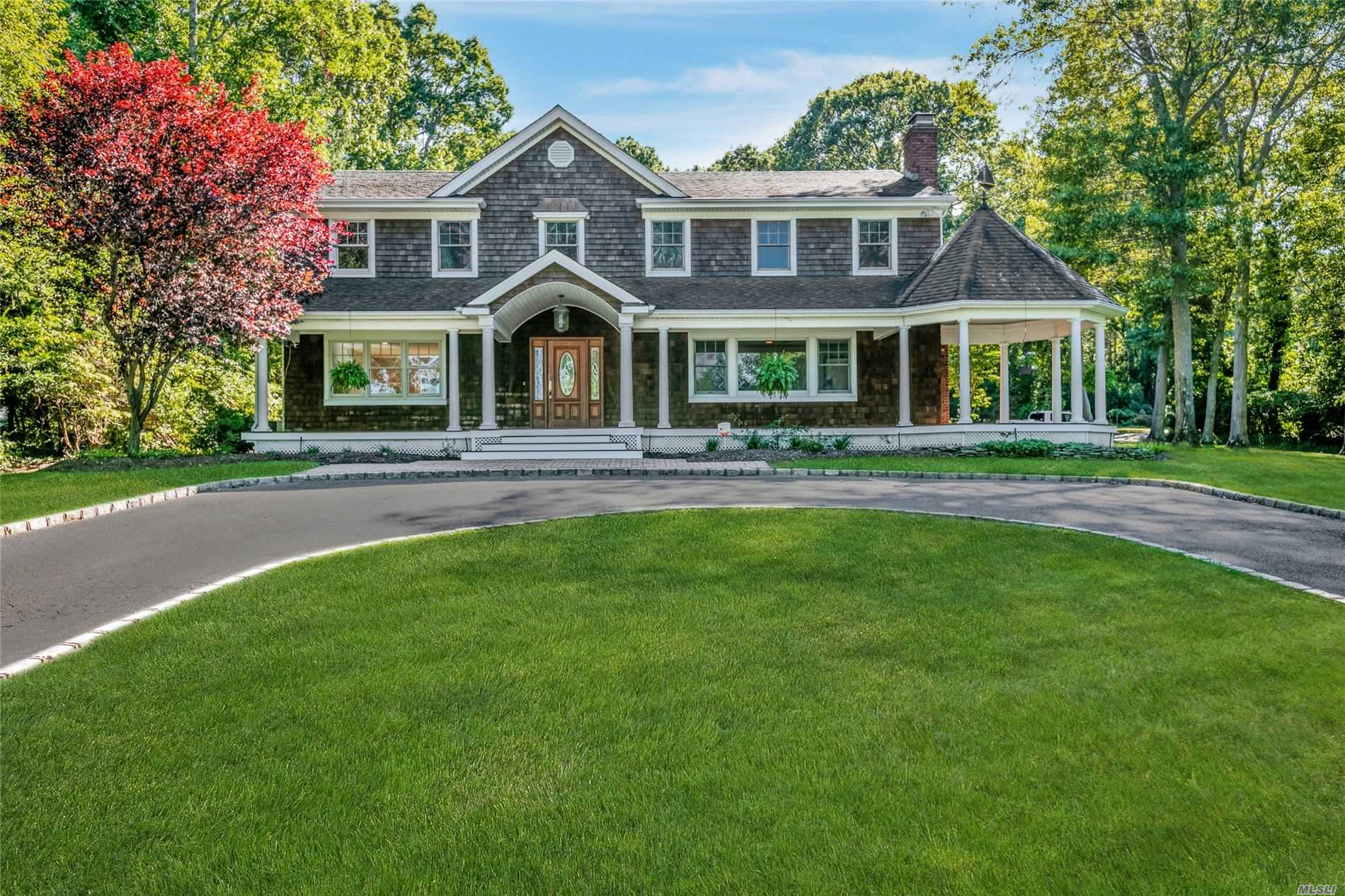38 Bonnie Dr - Northport, New York