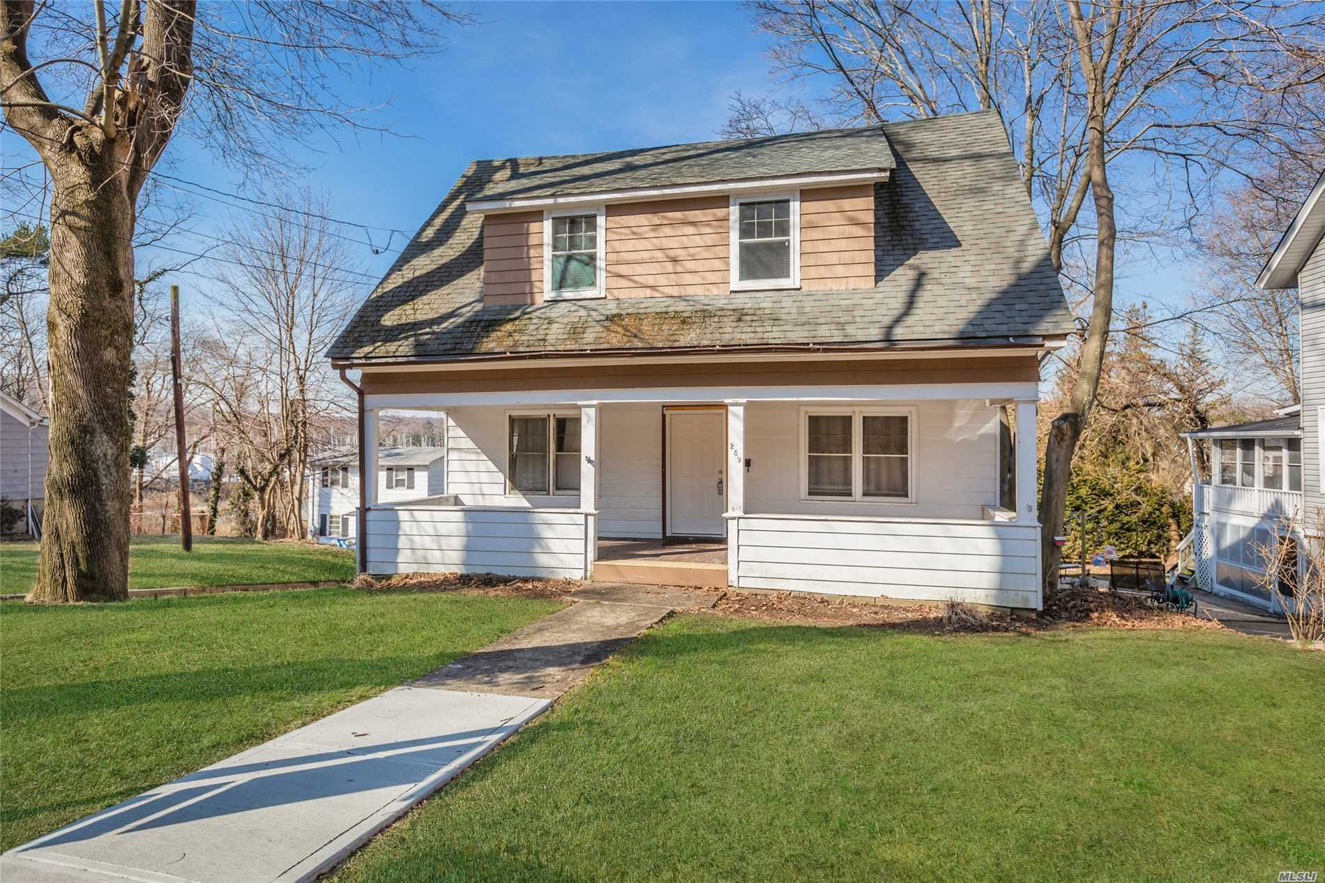 259 woodbine Ave - Northport, New York