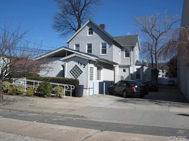 182 Earle Ave - Lynbrook, New York
