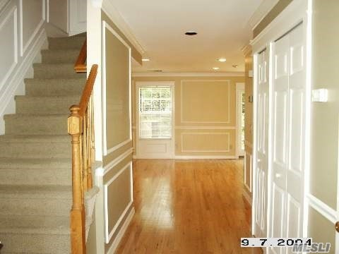 702 Sara Cir - Pt.Jefferson Sta, New York