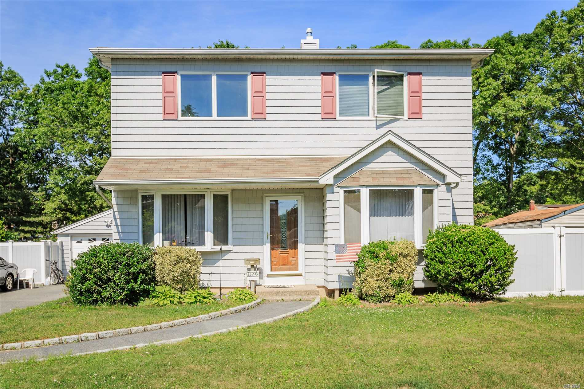 1126 Hyman Ave - Bay Shore, New York