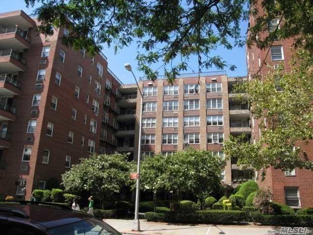94-11 59 Ave, E21 - Elmhurst, New York