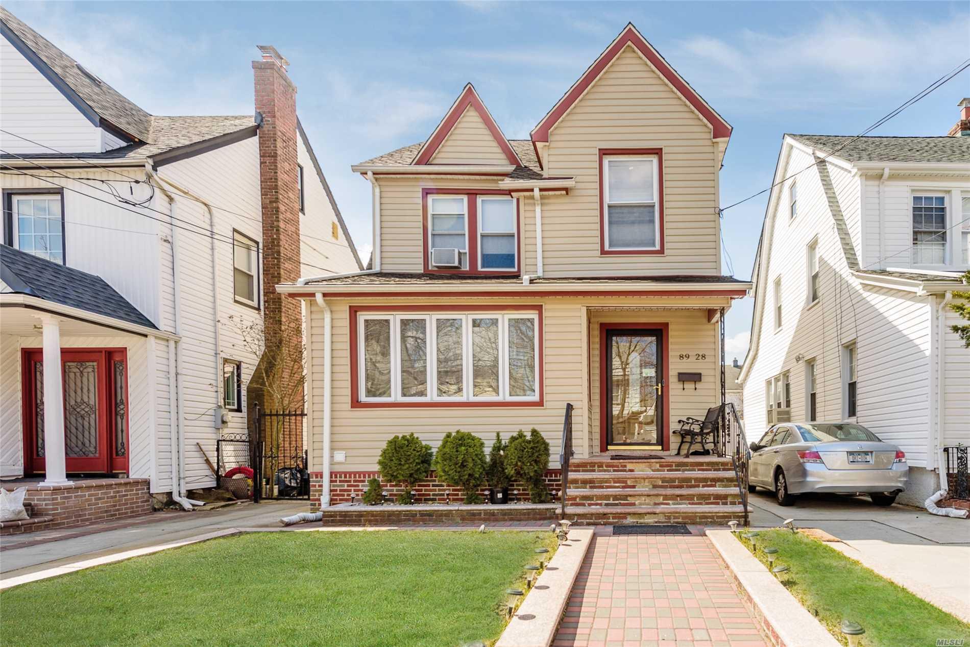 89-28 216th St - Queens Village, New York