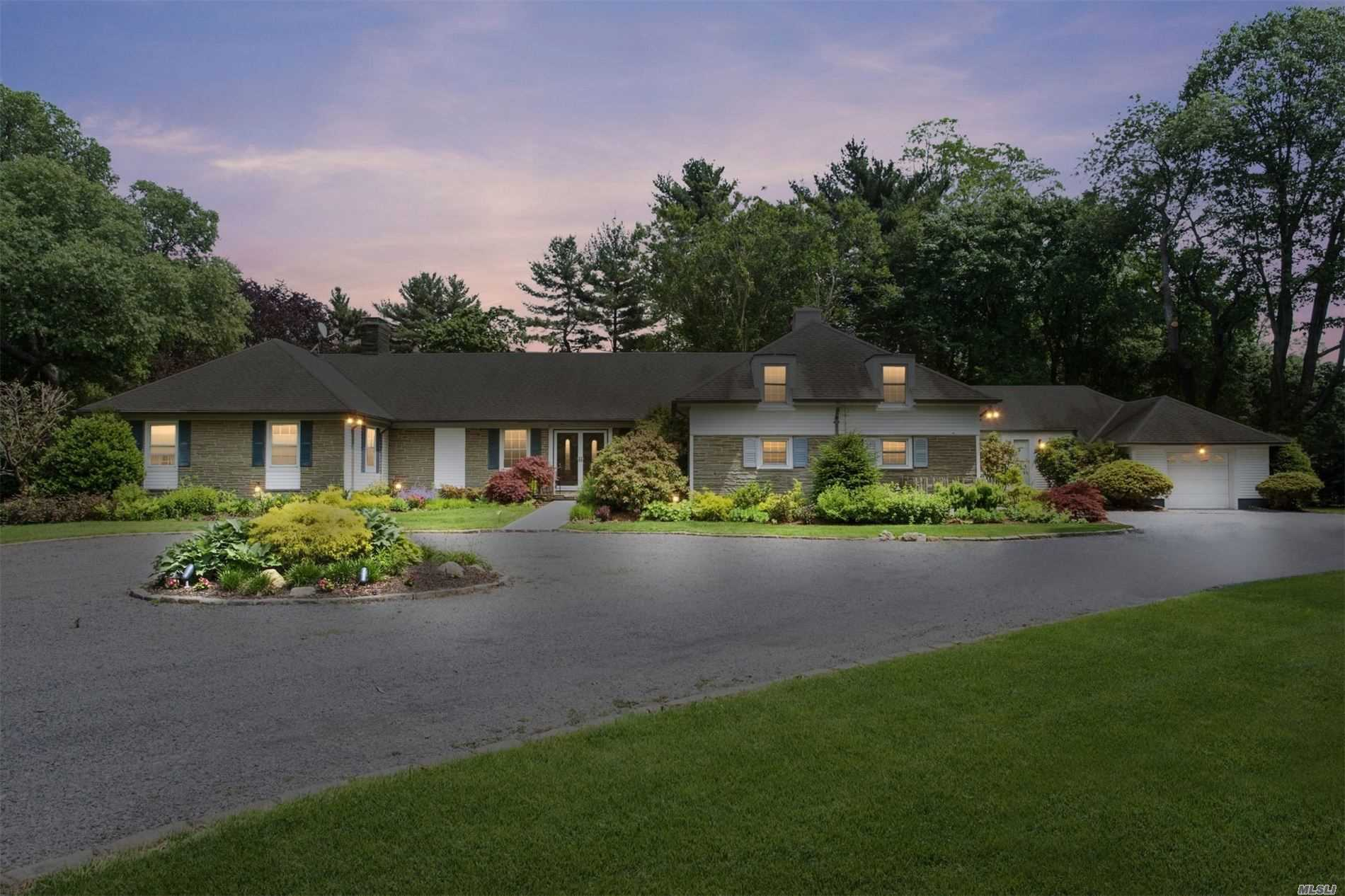 6 Coriegarth Ln - Lattingtown, New York