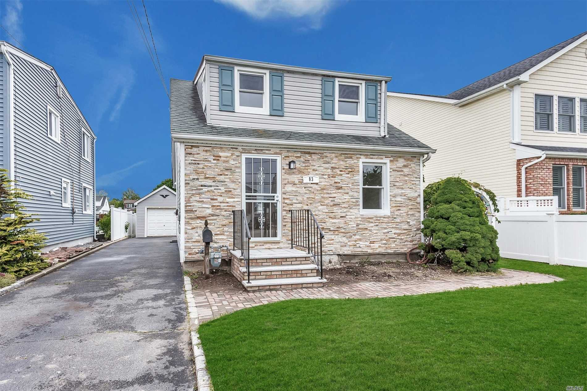 83 Forest Ave - Massapequa, New York