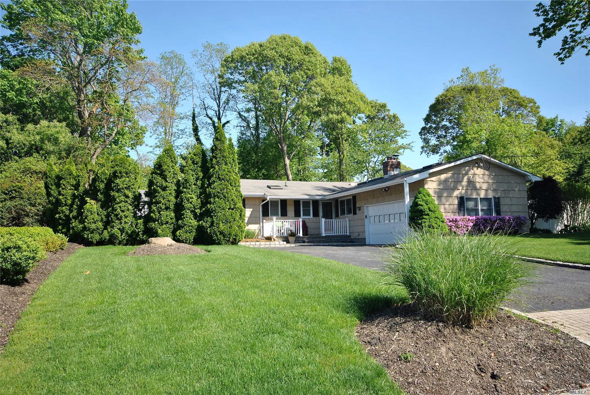 12 Rustic Rd - Miller Place, New York