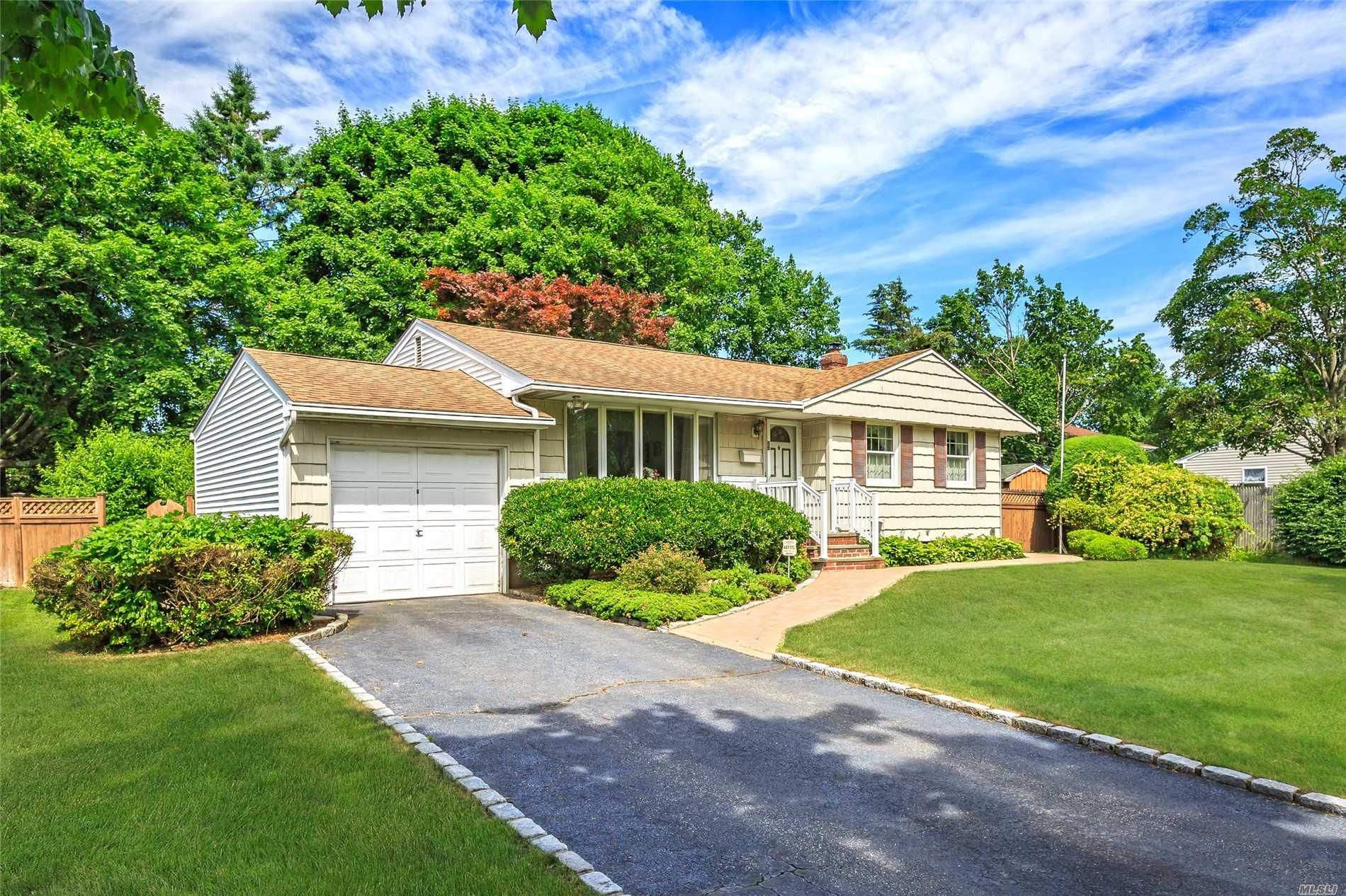 58 Ruth Blvd - Commack, New York