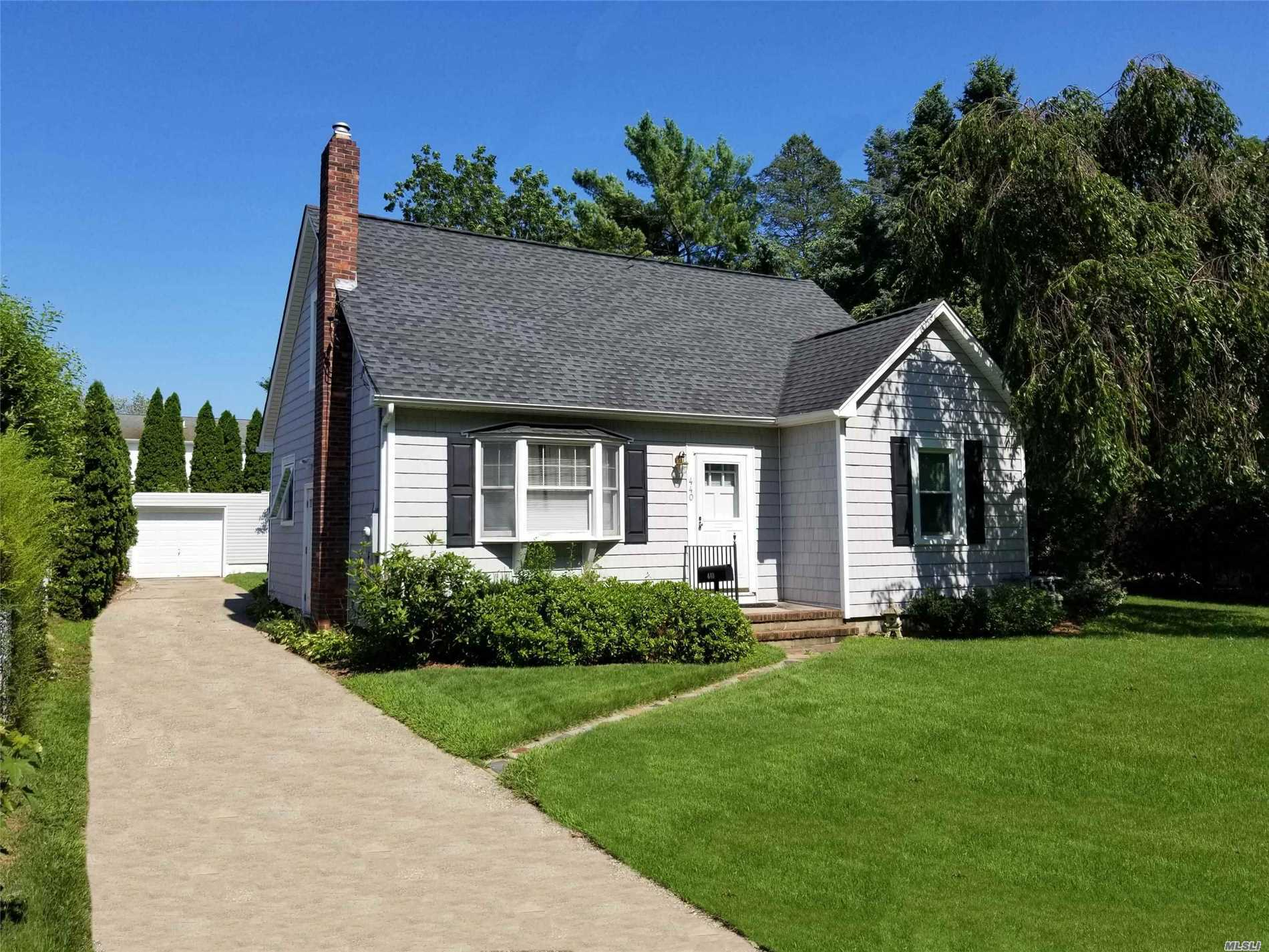 440 Marcy Ave - Riverhead, New York
