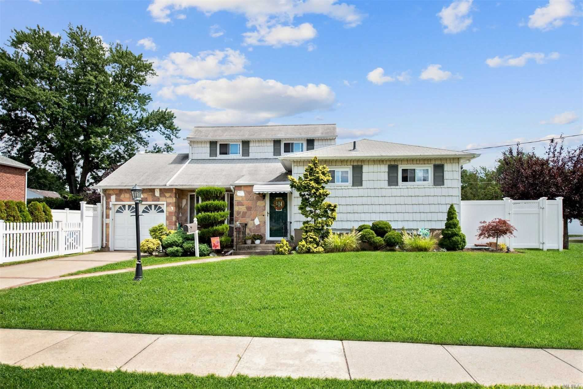 351 1st Ave - Massapequa Park, New York