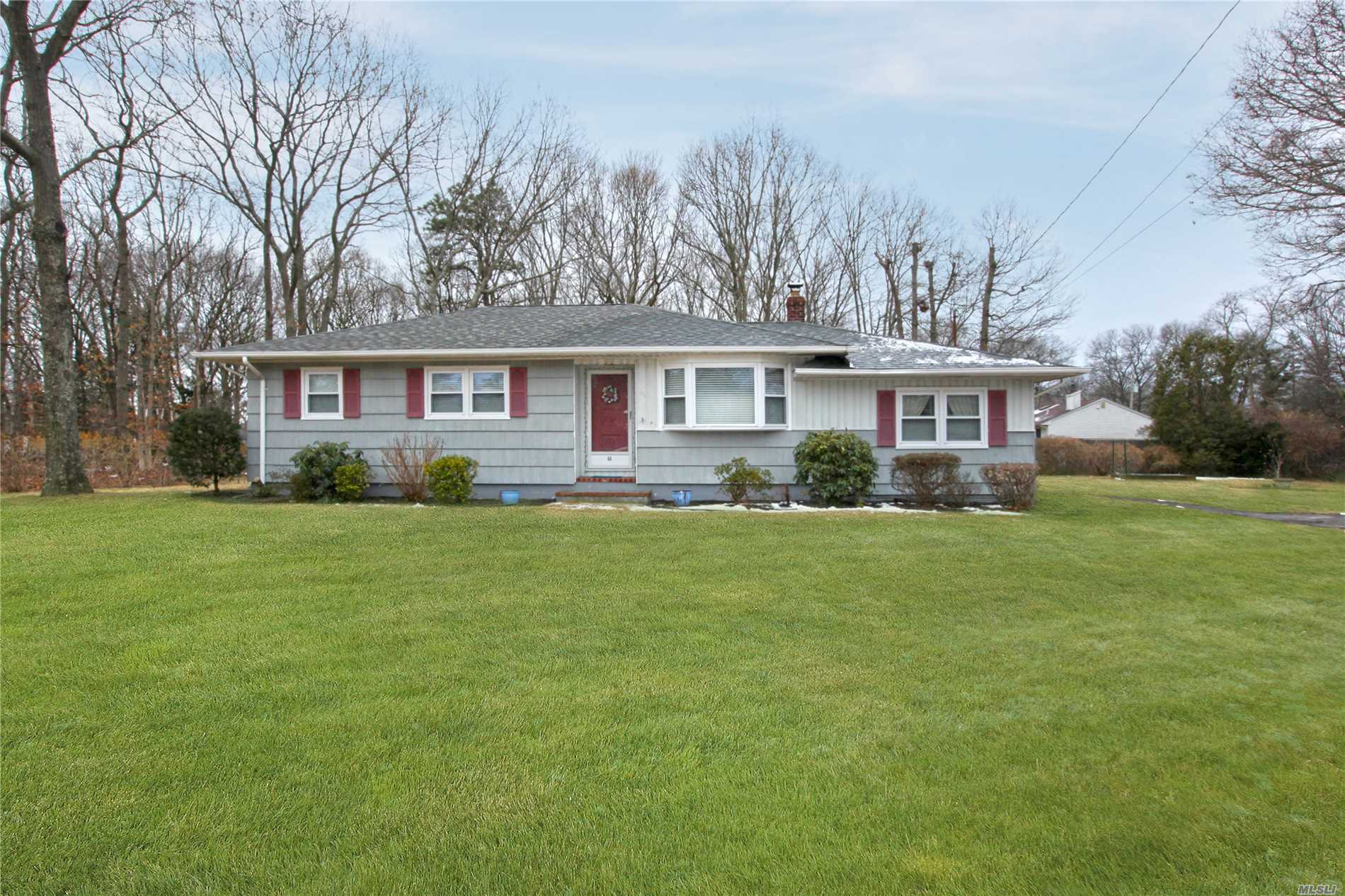66 E Woodside Ave - Patchogue, New York
