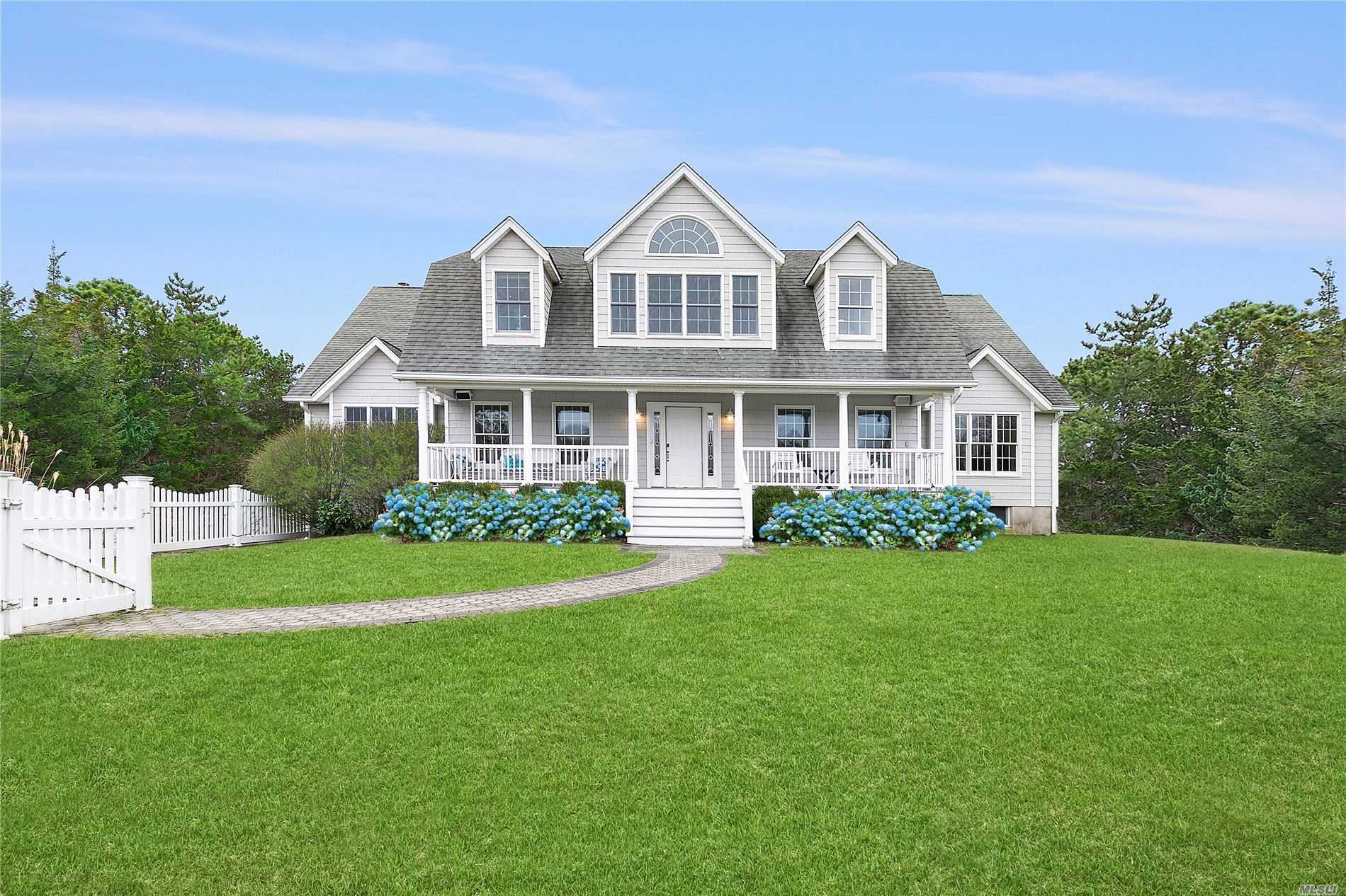 6 Bay Meadow Ln - Westhampton, New York