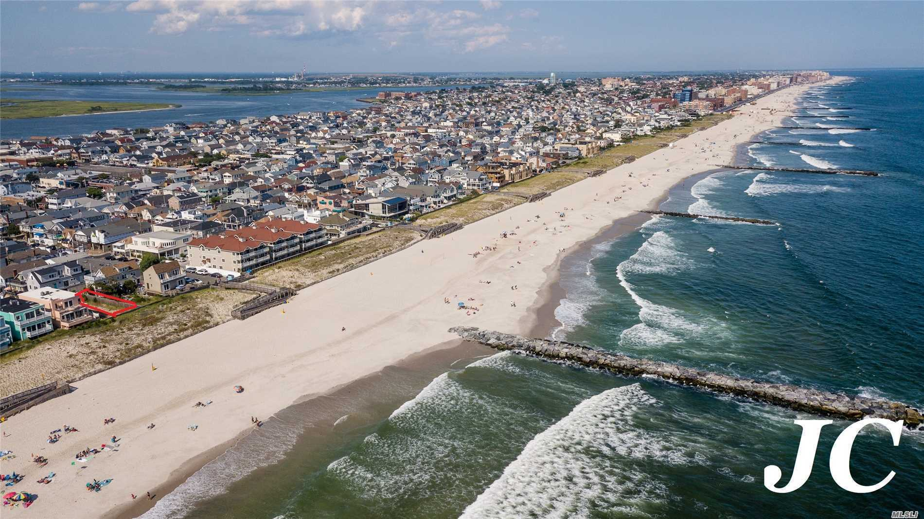 1069 Oceanfront St - Long Beach, New York