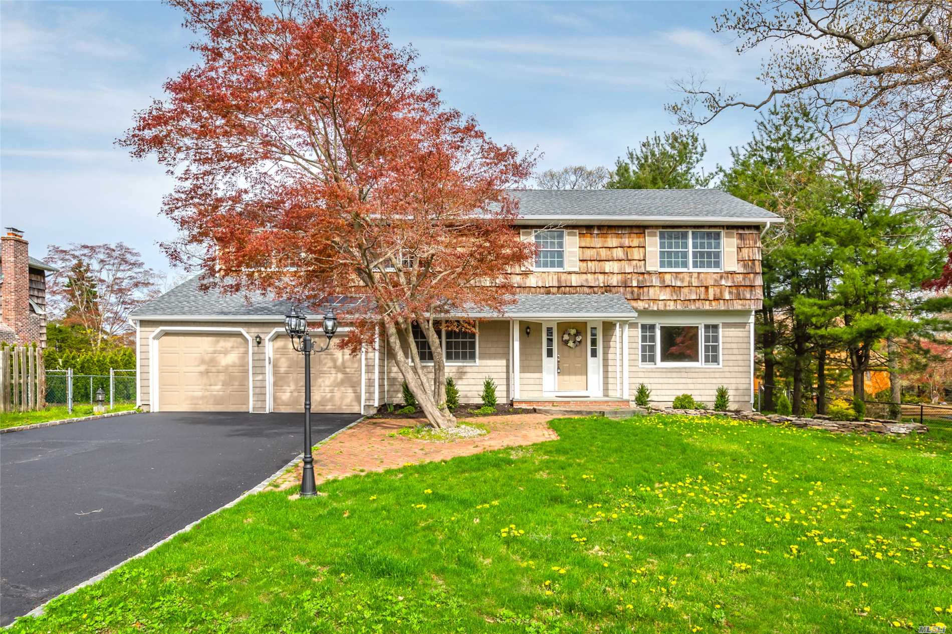 19 Sherry Dr - Setauket, New York