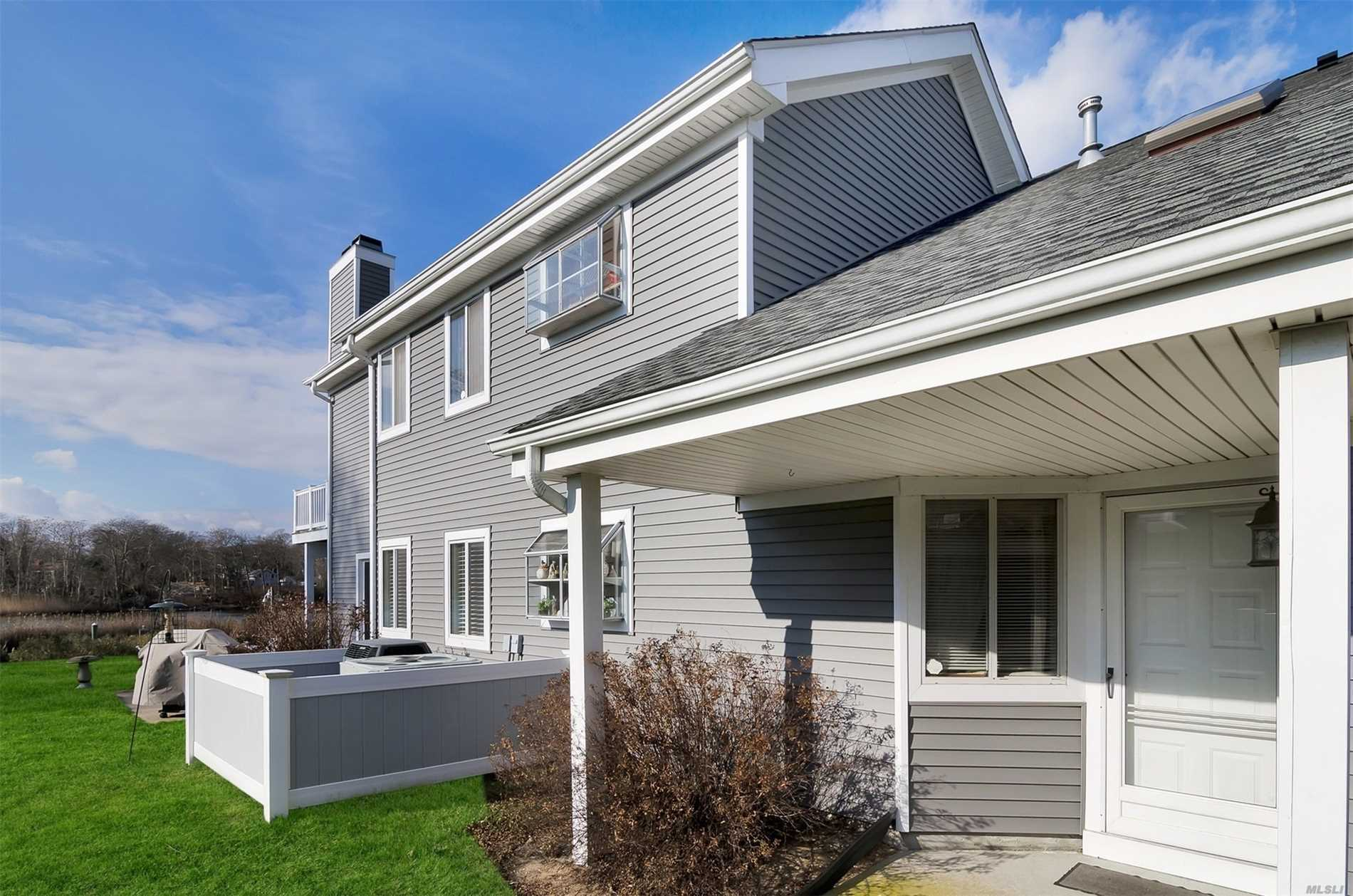 359 Seabreeze Ct - Moriches, New York