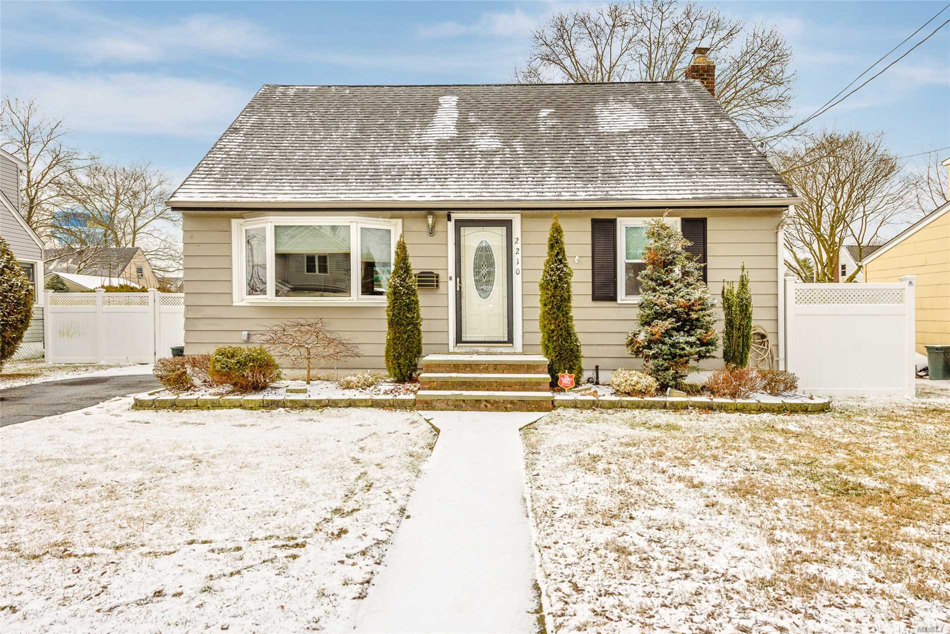 2210 6th St - East Meadow, New York