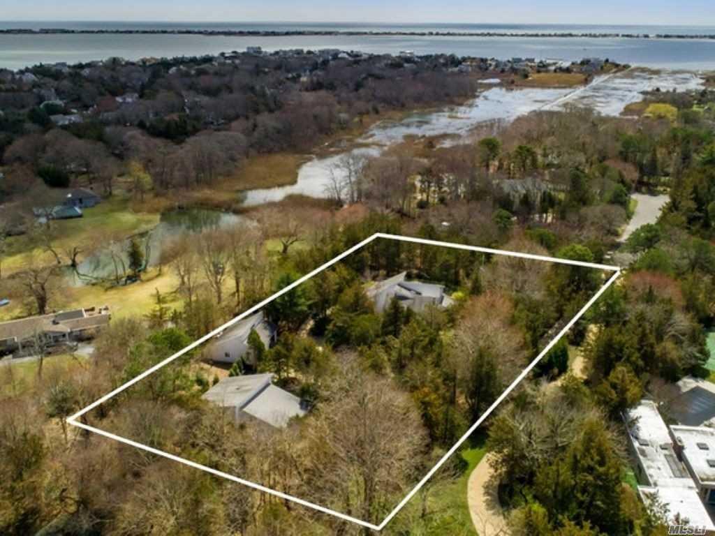 8 Old Pond Ln - Remsenburg, New York