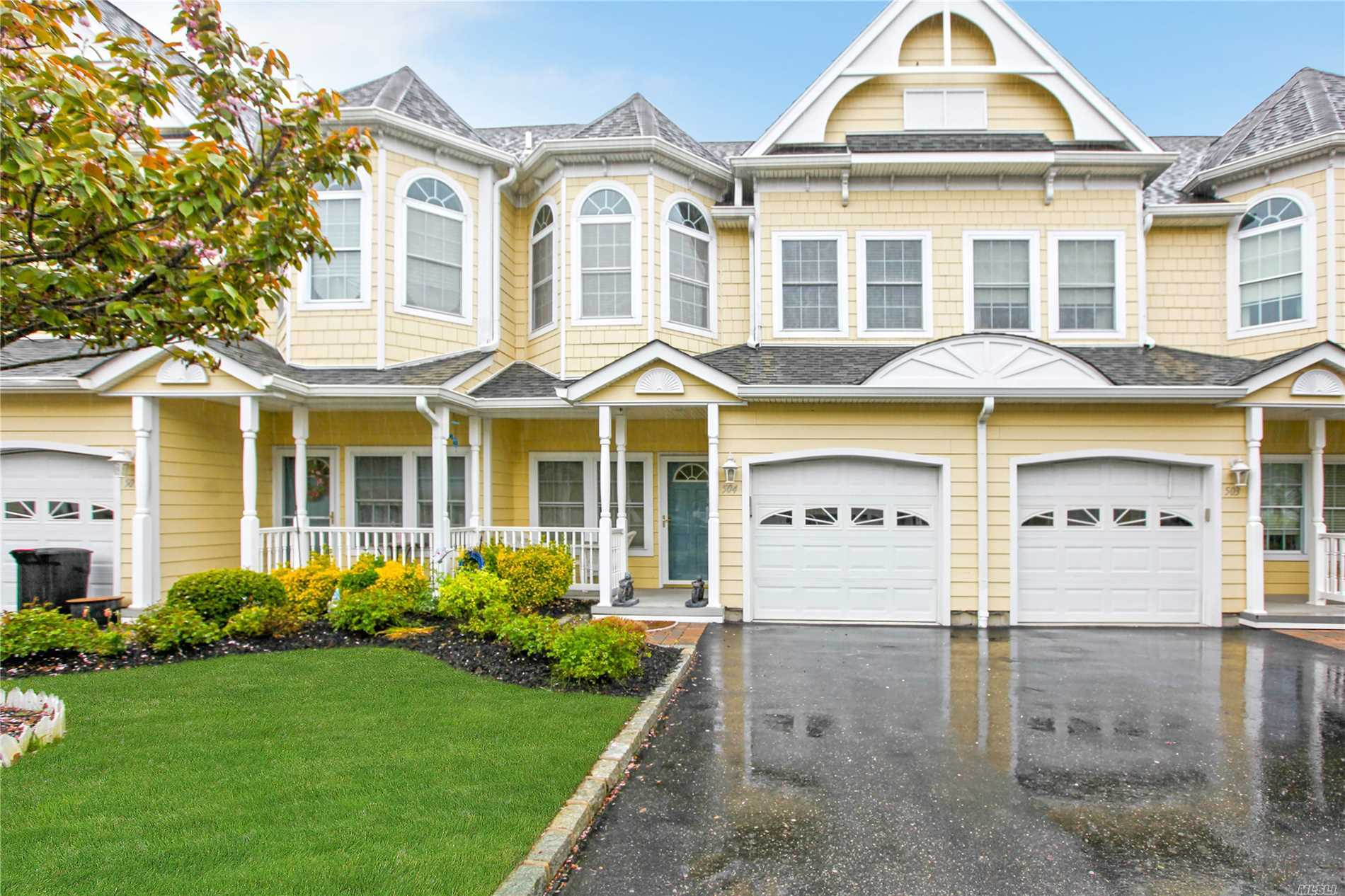 504 Emily Dr - Patchogue, New York