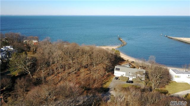 11 Waterview Dr - Port Jefferson, New York