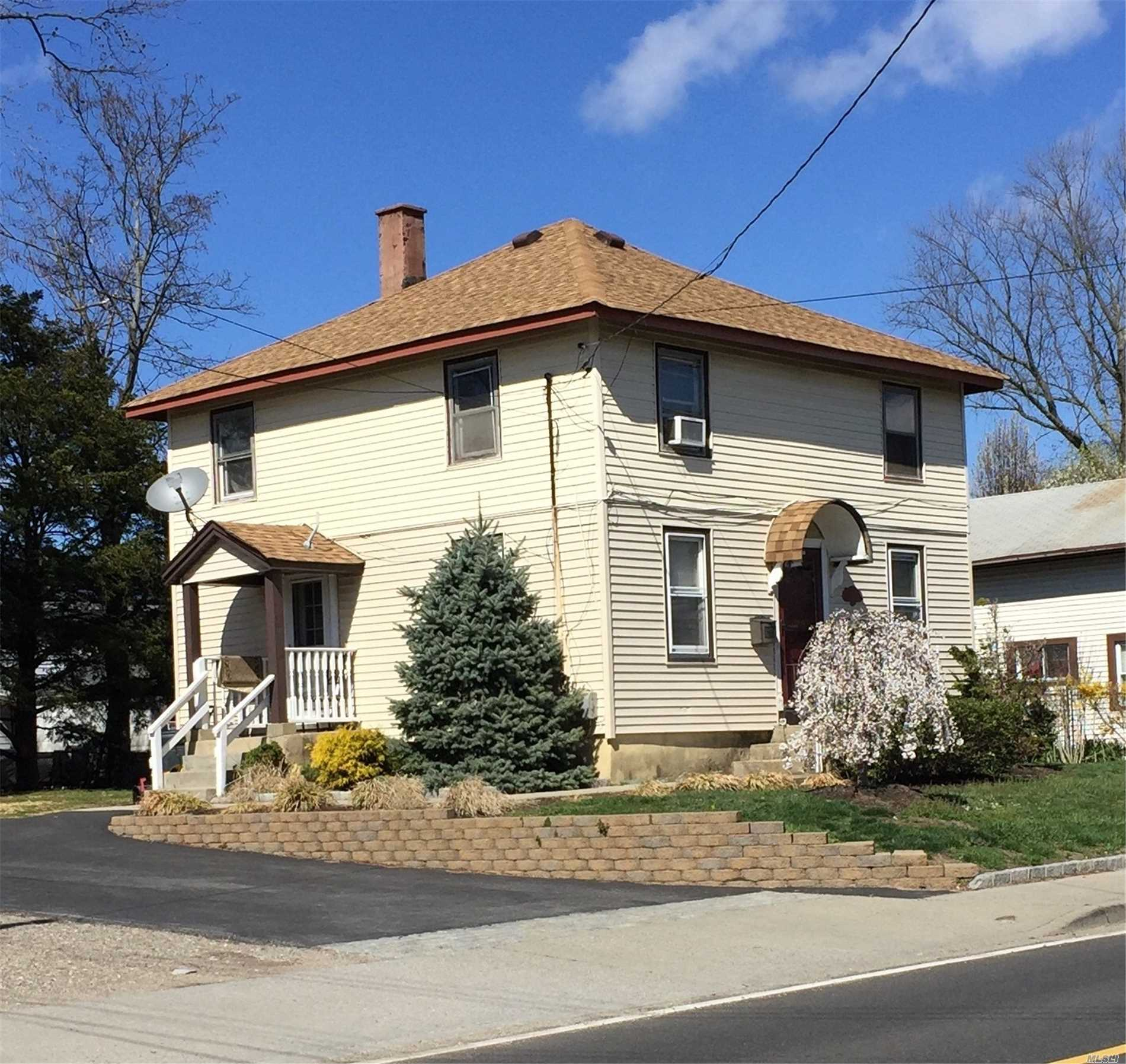 132 E Pulaski Rd - Huntington Sta, New York