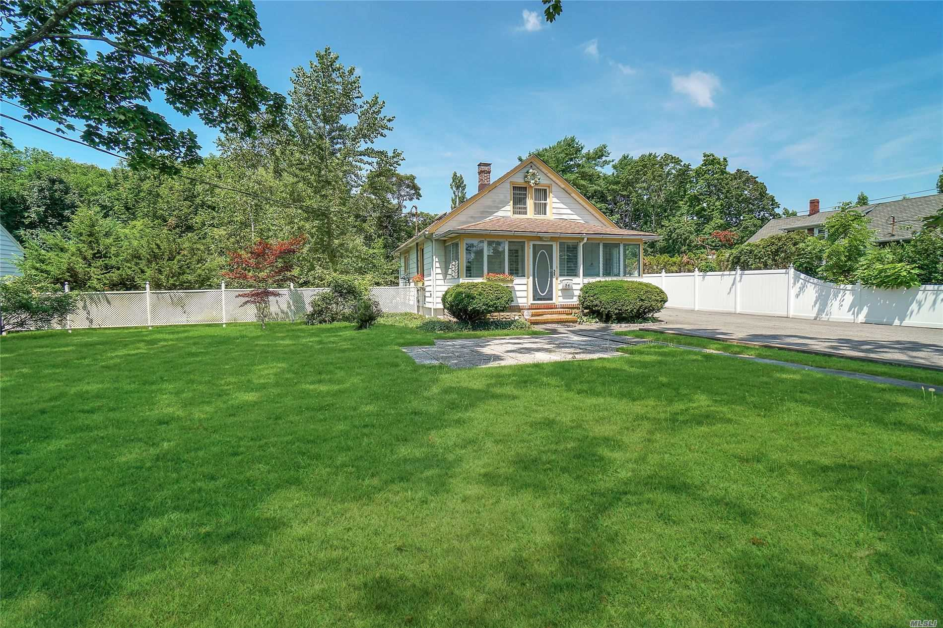 56 Orchard Rd - E. Patchogue, New York