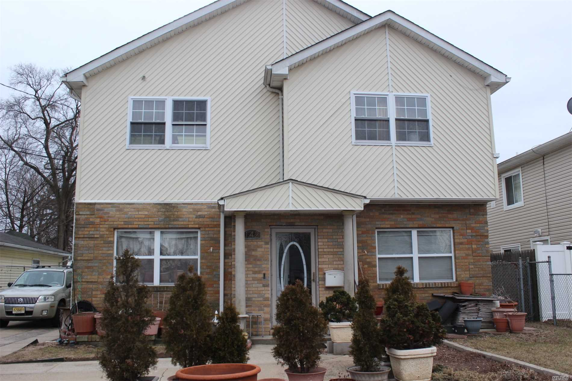 142 E Graham Ave - Hempstead, New York