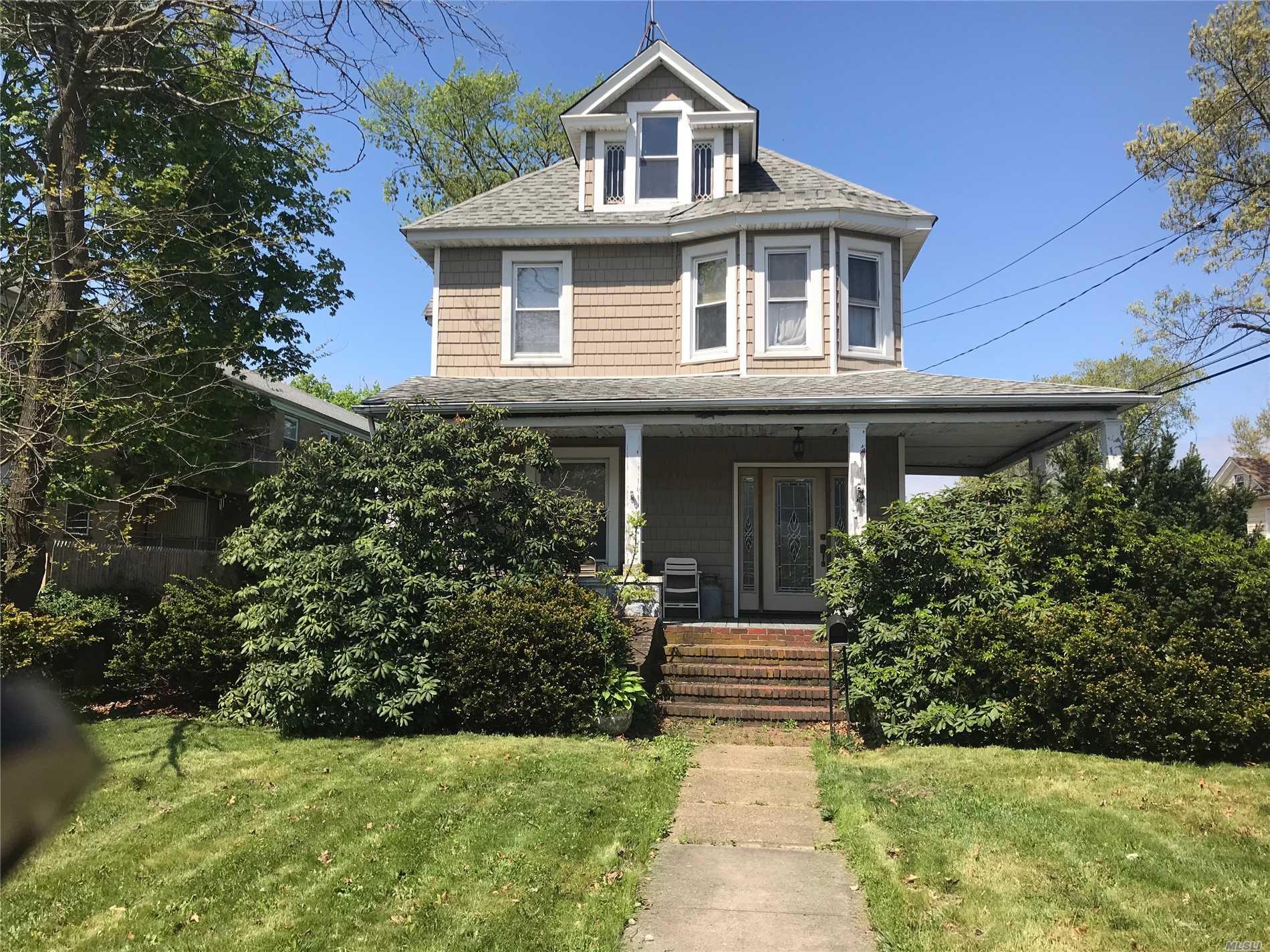 175 Hempstead Ave - Lynbrook, New York