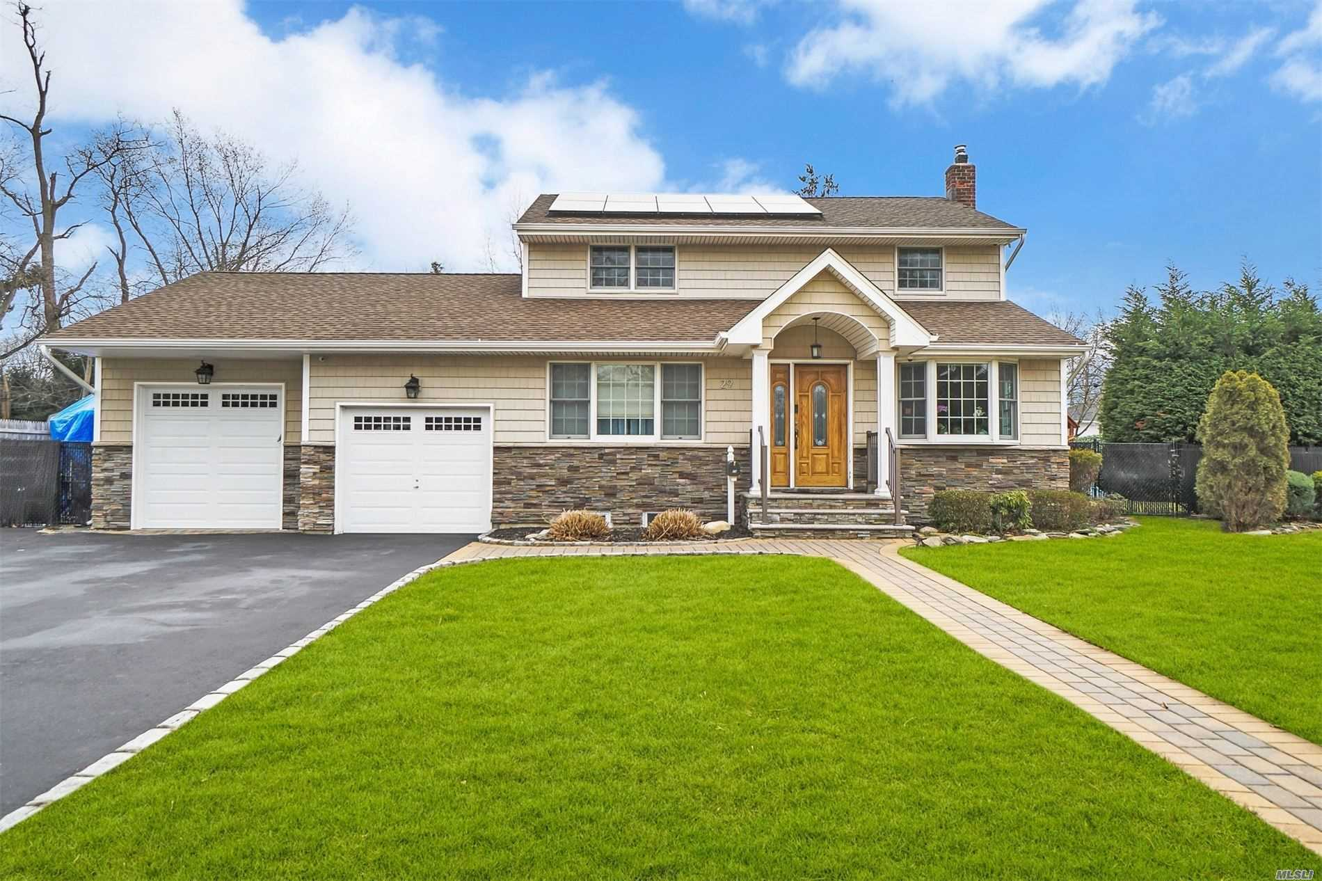 29 Marie Cres - Commack, New York
