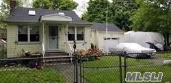 146 Lynbrook Dr - Mastic Beach, New York