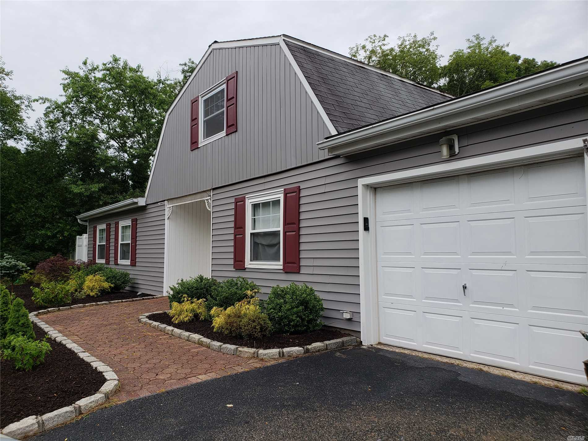 5 Lollypine Ln - Medford, New York
