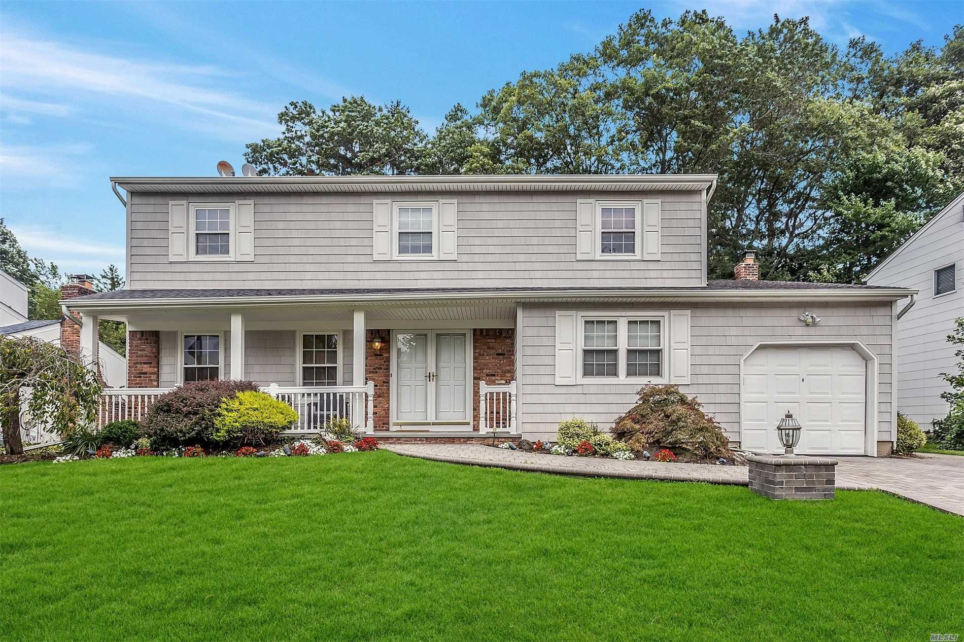 40 Marsulin Dr - Syosset, New York
