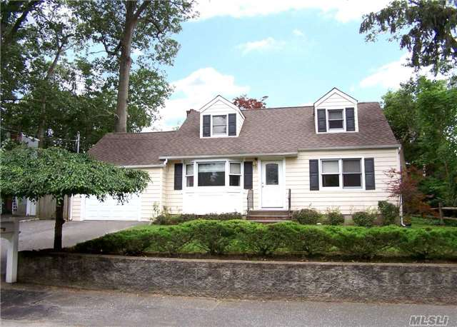 Great Home In The South Huntington Area With Huge Potential And A Cozy Feel!