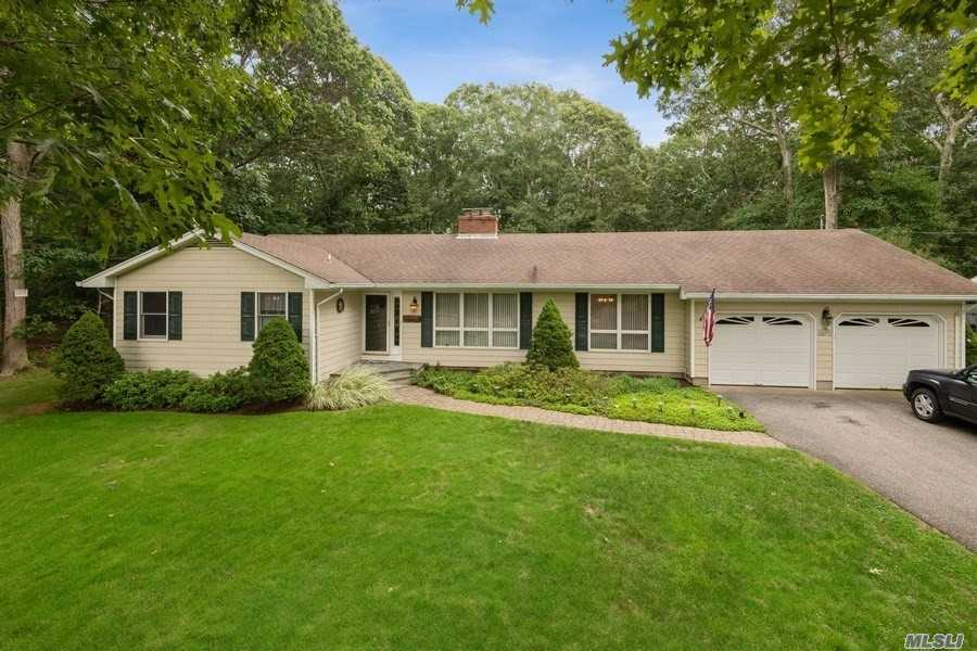 1465 Brigantine Dr - Southold, New York