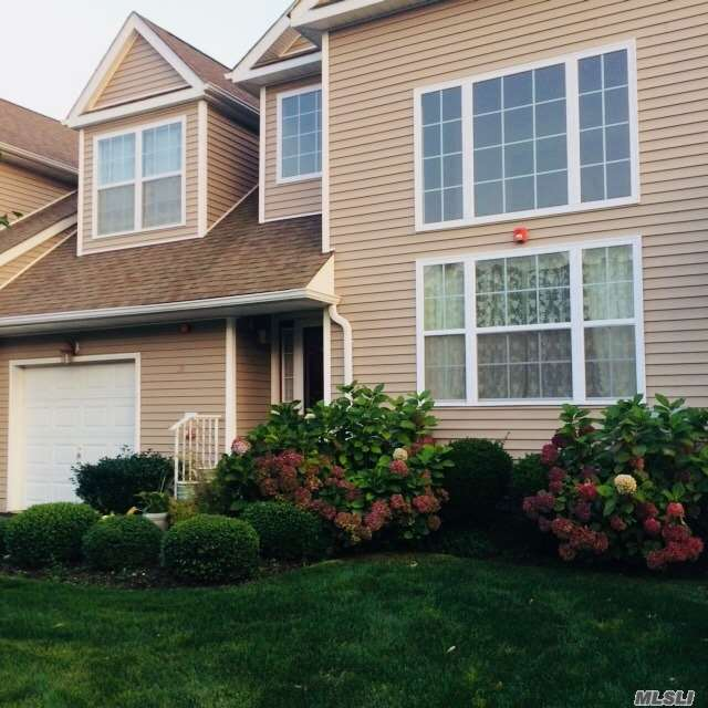 39 Halley Ln - Miller Place, New York