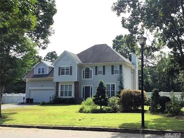 Just Listed Beautiful Dix Hills Home!