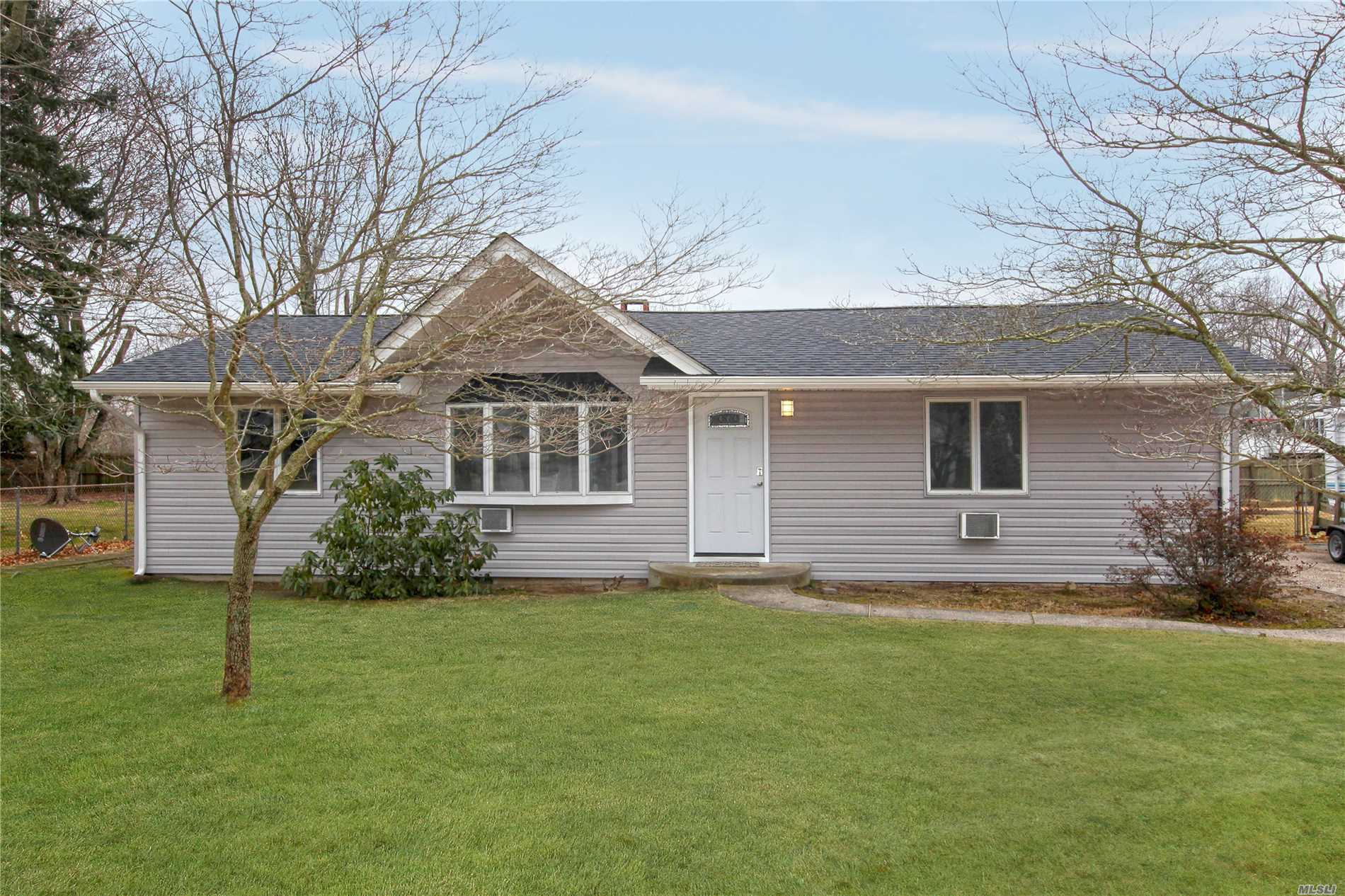 44 Morris Ave - Patchogue, New York