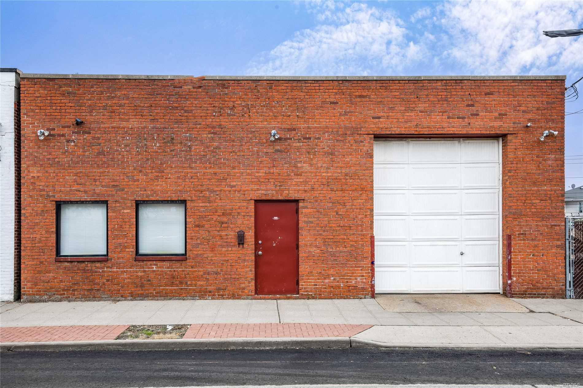 36 Davison Plz - E. Rockaway, New York