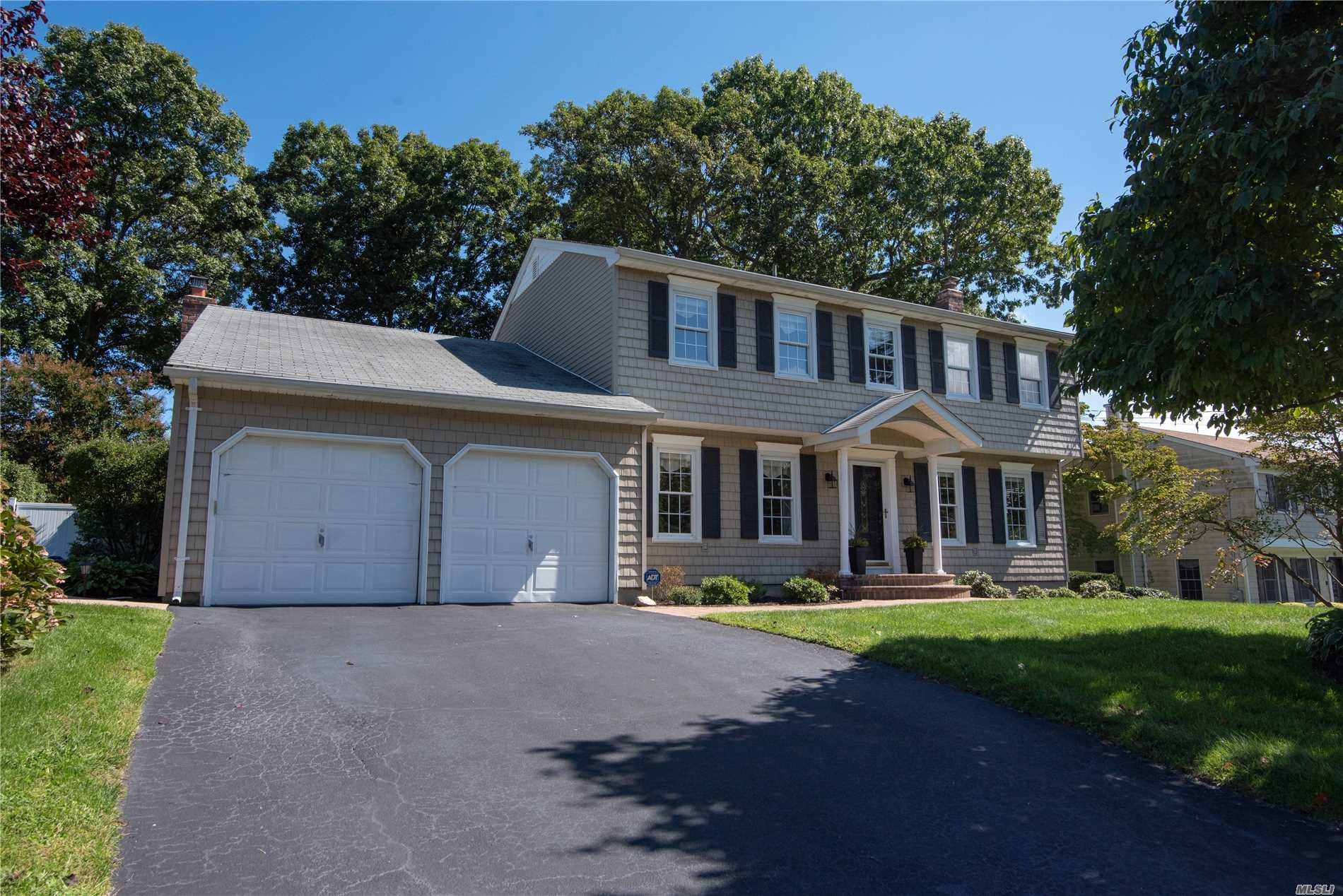 48 Woodland Rd - Miller Place, New York
