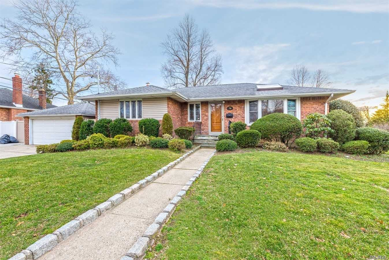 796 Bellmore Ave - East Meadow, New York